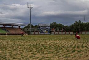 MANTAP..!! Rumput Stadion Tuah Pahoe Mulai Menghijau